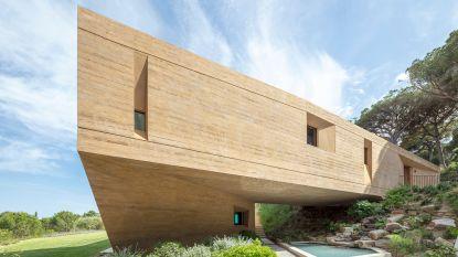 Hoort deze futuristische villa thuis aan de Franse Rivièra of net niet? Oordeel zelf