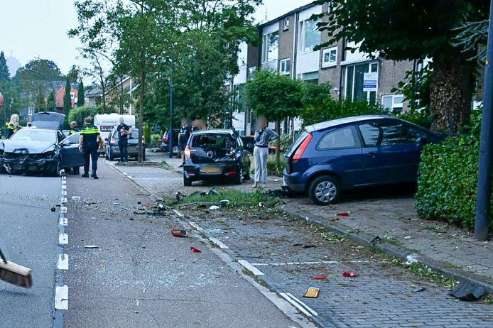 De schade is groot aan de Gronausestraat.