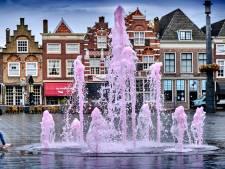 Sterk spul: fontein op het Statenplein kleurt anderhalve week na Coming Out Day nog stééds roze