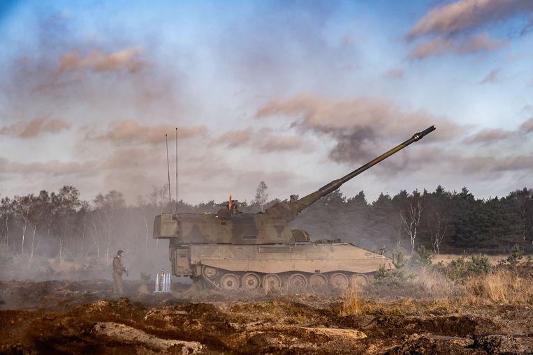 Defensie oefent op het artillerieschietkamp 't Harde. Maar bij nationale veiligheid komt veel meer kijken. Beeld Joris Van Gennip