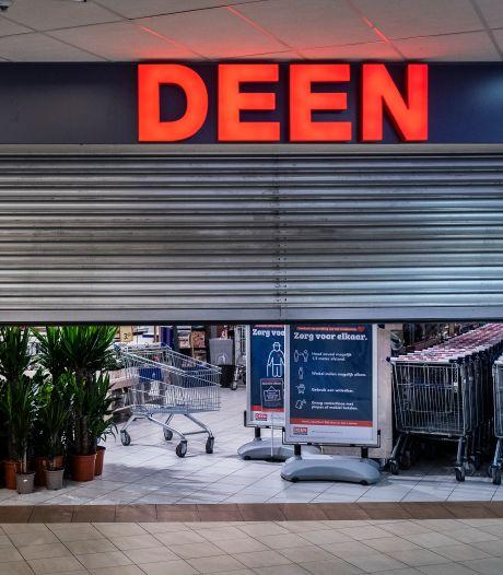 Na 88 jaar verdwijnt supermarkt Deen uit straatbeeld; ombouw winkels begonnen