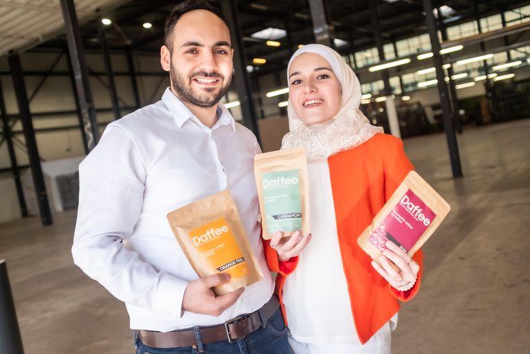 De Syrische Rahaf Al Lymoni en haar man Tamim Kbarh.  Beeld Joris van Gennip