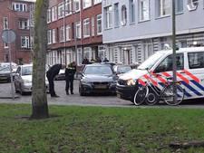 Politie vindt overleden man in geparkeerde auto