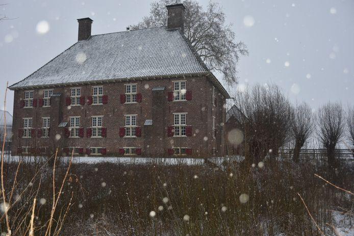 Huis Aerdt in de sneeuw.