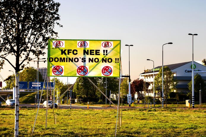 Spandoek tegen KFC en Domino's in Veldhoven