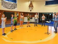 De Haaksbergse Harmonie repeteert weer: 'In je eentje thuis is saai en lastig'