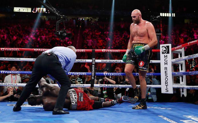 Tyson Fury a conservé sa ceinture WBC des poids lourds, en battant pour la deuxième fois d'affilée Deontay Wilde