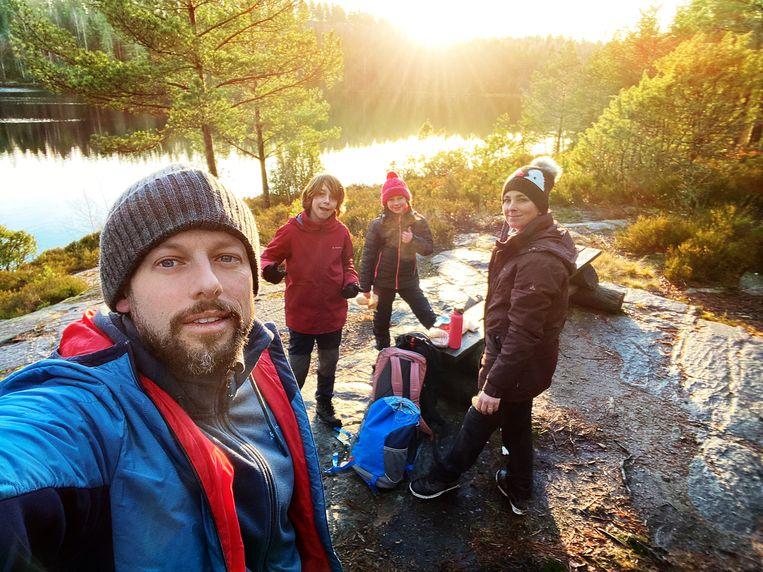 Staf Coppens en zijn gezin gaan in Zweden een camping uitbaten. Beeld VTM