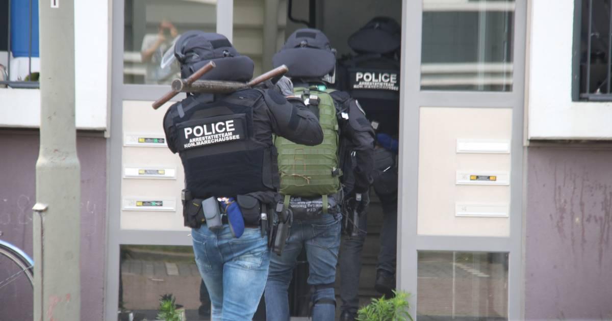 Vuurwapengevaarlijke Pool (34) aangehouden na achtervolging in Haren, heeft forse celstraf openstaan.