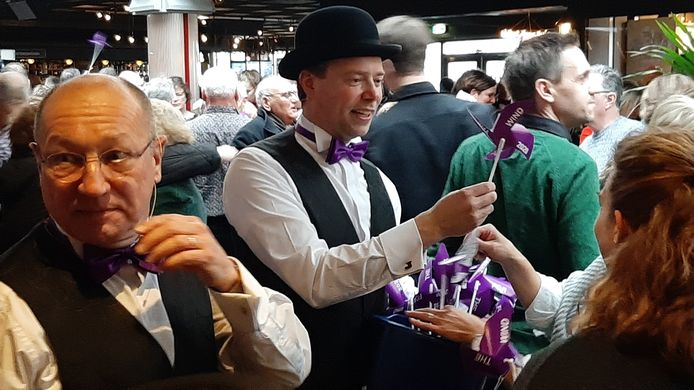 Hans Alferink (links) in De Pas op 1 januari 2020, als lid van For Mineur.