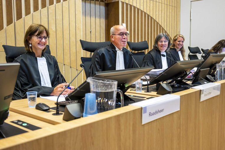Raadsheer van Waesberghe, voorzitter Reinking en raadsheer van Veen in de rechtbank van Schiphol voor het pleidooi van de verdediging in het minder-Marokkanen-proces tegen PVV-leider Geert Wilders in september 2019. Beeld ANP
