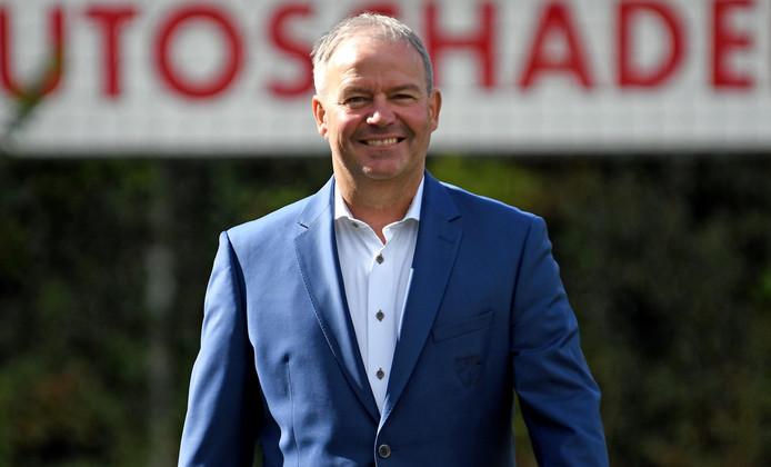 Albert van der Dussen werkte eerder drie seizoenen als hoofdtrainer bij VELO.
