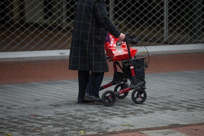 Mensen leven almaar langer. Dat betekent dat ze na hun pensionering ook meer financiële middelen nodig hebben. Credit Harold Versteeg | Hollandse Hoogte / ANP