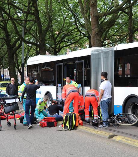 Aanrijding fietser en bus Amstelveenseweg