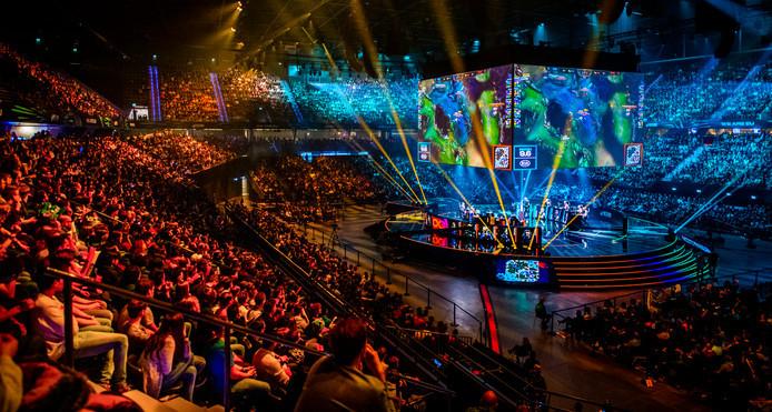 In Ahoy worden volgend jaar mei verschillende Eurovisie-shows gehouden, inclusief de finale. Vrijwilligers moeten beloond worden met tickets, vindt het NOV.