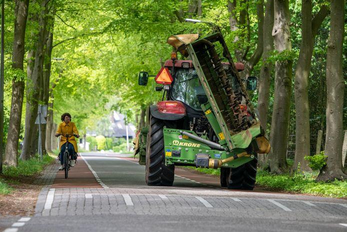 Drempels in het buitengebied van Zwolle zijn boeren een doorn in het oog. Er is weerstand tegen aanleg en verhoging van drempels in het buitengebied.
