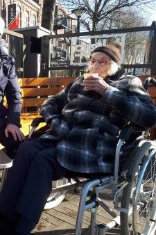 Ook 101-jarige Netty mag niet op terras in Oss zitten