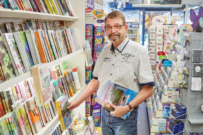 Rob van Rheenen is 67 ,was altijd consultant, projectmanager in de IT maar werkt nu bij sigarenboer Cigo op de Drossaard te Uden. Fotograaf: Van Assendelft/Jeroen Appels