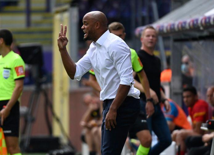 Le Sporting tentera de s'inspirer de sa deuxième mi-temps contre Malines pour défier le Standard à Sclessin.