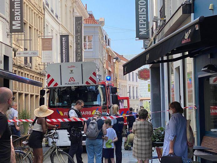 De brandweerzone Centrum kwam voor de zekerheid ter plaatse met twee brandweerwagens.