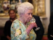 Les employés de la reine d'Angleterre ont passé 40 heures à remonter ses 1.100 horloges