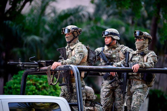 Militairen op straat in Culiacán.