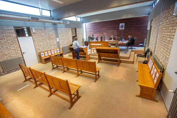 Illustratiebeeld. De politierechtbank in Halle.