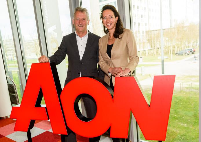 Astrid van Helvoort en Joost van de Hoef van verzekeringsadviseur AON op de High Tech Campus in Eindhoven.
