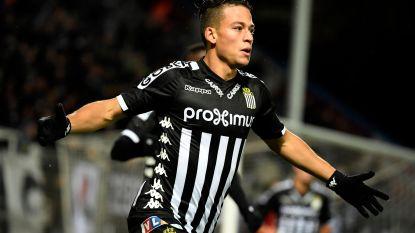 Transfer Talk (6/6). Ex-smaakmaker Charleroi aangeboden bij Genk - Anderlecht volgt jonge spelmaker - Ochoa naar Engeland?