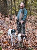 Piercarlo Vacchina krijgt hulp van zijn honden Rocky en Jimmy.
