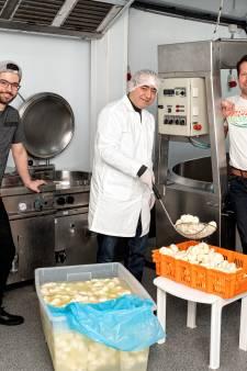 Syrisch gezin vluchtte voor de oorlog en heeft nu succesvol kaasbedrijf in Leusden: 'We bouwen aan onze droom'