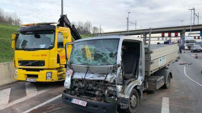 File op volledige Antwerpse Ring na ongeval aan Kennedytunnel