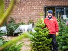 Ab hangt de kerstversiering van zijn overleden vrouw in de boom: 'Ik denk nog elke dag aan haar'