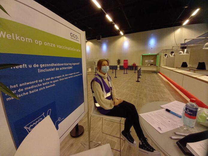 Ter illustratie: een mbo-student aan de slag bij de GGD in Leiden.