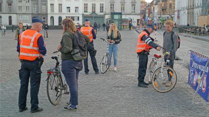 """Fietscontrole in studentenbuurt: """"Mijn fietslicht is nog onderweg met de post"""""""