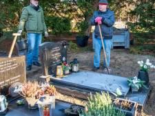 Bezoekers Bergse begraafplaats balen van ontoegankelijke ingezaaide paden