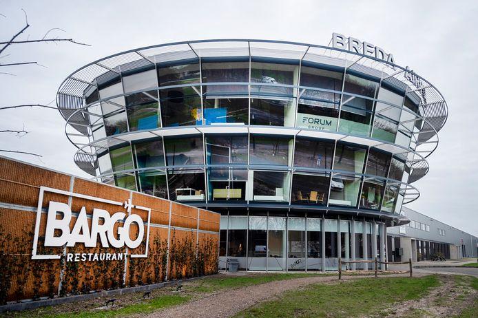 De kop van Airparc Seppe, waar sinds kort het restaurant Bargo is gevestigd. De mogelijkheden voor kantoorruimte worden, als het aan het college van Halderberge ligt, verruimd.