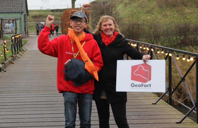 Chanon Hasuwannakit uit Thailand is de 10.000ste scholier die GeoFort bezoekt.