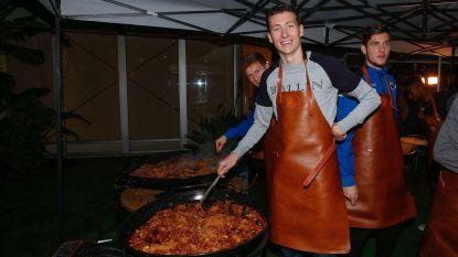 Kookles voor Blauw-zwart: Vanaken & co bedienen 120 eters op hun wenken