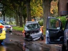Bestuurder brommobiel gewond bij botsing met auto in Rheden