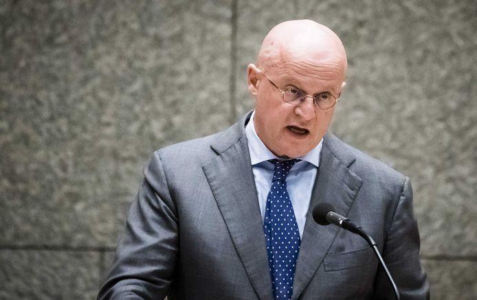 Minister Ferd Grapperhaus van Justitie en Veiligheid (CDA) in de Tweede Kamer.