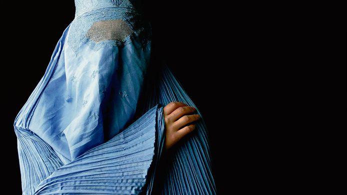 Een vrouw in een boerka.