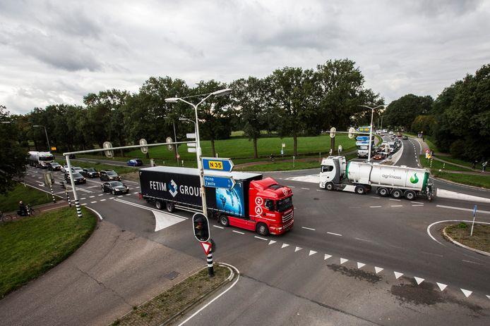 De provincie Overijssel wil al jaren dat de N35 wordt verbreed. In november is een belangrijk overleg tussen het ministerie en de provincie over dit dossier.
