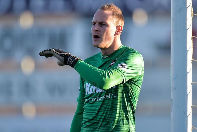 Doelman Niels Kornelis van De Treffers in actie tegen Noordwijk.