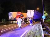 Chauffeurs uit vrachtwagens bevrijd na frontale aanrijding in Deurne