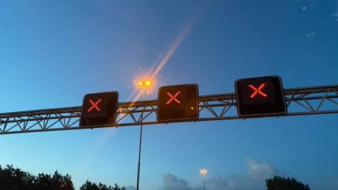Ongeluk op de A15; snelweg afgesloten tussen Ochten en Dodewaard