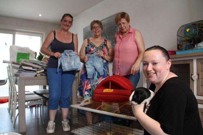 Isabelle Folens (op de voorgrond) organiseert met Pink Pet Paradise een paasactie voor kansarme kinderen.