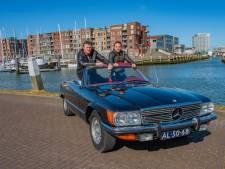 Vader en zoon zijn stapelgek op hun 'keiharde' cabrio: 'Schofterig mooi die Mercedes 450 SL'