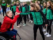 Ireen, Kjeld, Michel en de rest: Nederlandse schaatstoppers verrassen Special Olympicsteam in Rijssen