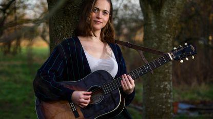 Charline (22) is vrijdag te zien in tweede aflevering van The Voice van Vlaanderen